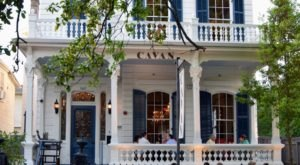 You'll Never Forget Your Meal At This Old Creole Mansion Tucked Away In New Orleans