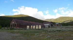 The Idaho Ghost Town That's Perfect For An Autumn Day Trip