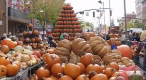 The Quirky Ohio Town That Transforms Into A Pumpkin Wonderland Every Fall