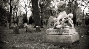 These 6 Haunted Cemeteries In Cincinnati Are Not For the Faint of Heart
