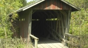 The Enchanting Covered Bridge Walk In Nebraska That's Perfect For An Autumn Day