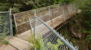 The Legend Of South Dakota's Screaming Bridge Will Make Your Hair Stand On End