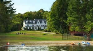 New Hampshire's Lakeside Inn Is The Most Charming Place To Stay In New England