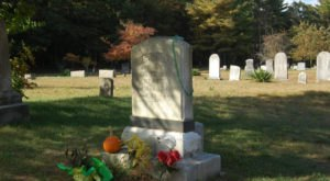 You Might Just Spot A Ghost At The Most Haunted Cemetery In Rhode Island