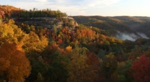 The Awesome Hiking Spot That Will Take You To The Most Spectacular Fall Foliage In Kentucky