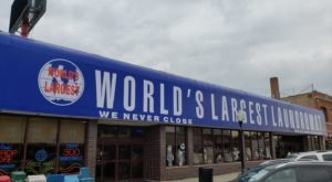 The World's Largest Laundromat Is In Illinois And It Has Free Coffee And Donuts