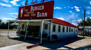 This Tiny Little Barn In New Mexico Serves Up Some Mighty Good Old-Fashioned Food