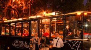 Take The Haunted Trolley Tour In Georgia To Discover Secret Haunts Only The Gravediggers Know
