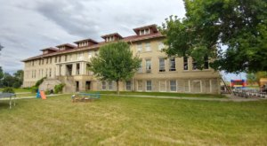 This Idaho Inn Was Once A Tuberculosis Hospital And It's Believed To Be Haunted