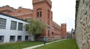 This Ghost Hunt In A Former Montana Prison Isn't For The Faint Of Heart