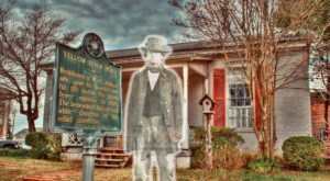 Frightening Local Lore Comes To Life On This Mississippi Walking Tour