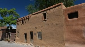The Oldest House In America Is Hiding Right Here In New Mexico And You'll Want To Visit