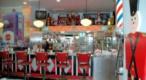 A Timeless 50s-Style Diner In Ohio, Nutcracker Family Restaurant Serves Up Some Of The Best Sandwiches Around