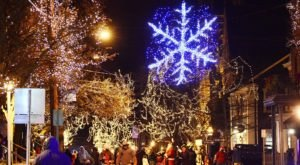 The One Rhode Island Town That Transforms Into A Christmas Wonderland Each Year