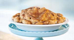 After Just One Bite, You'll Be Hooked On The Apple Pies At A La Mode In Washington