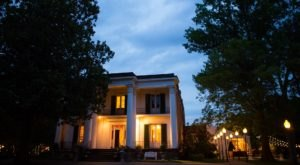 The History Behind This Nashville Mansion Is Both Fascinating And Spooky