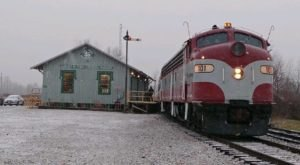 Watch The Ohio Countryside Whirl By On This Unforgettable Christmas Train