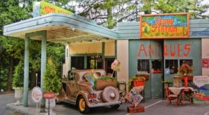 This Antique Shop In Southern California Is A Former Gas Station…And It's Positively Delightful