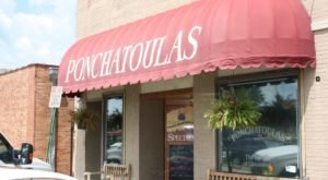 The History Behind This 22-Year-Old Restaurant In Louisiana Is Unexpectedly Awesome
