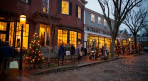 This Is The Most Perfectly Magical Holiday Stroll In Massachusetts