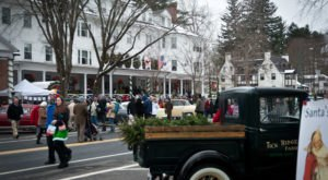 This Small Town Christmas Festival In Massachusetts Recreates A Famous Holiday Painting
