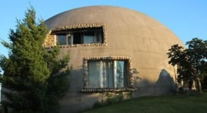 This Dome-Shaped Bed & Breakfast In Indiana Is Like Something From Another World