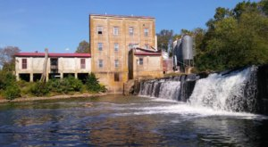 A Trip To This Charming, Working Mill In Kentucky Is Unforgettable