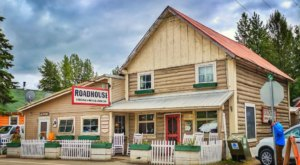 This Century-Old Roadhouse In Alaska Has The Most Mouthwatering Pie On Earth