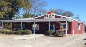 People Travel From Far And Wide To Visit This Delicious BBQ Restaurant In The U.S.