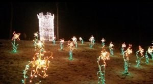 Families Will Absolutely Love This Free Holiday Light Extravaganza In Connecticut
