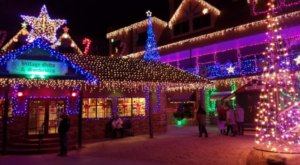 The One Arizona Village That Transforms Into A Christmas Wonderland Each Year
