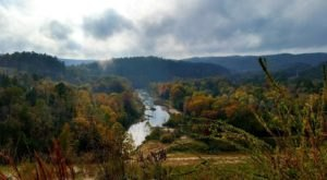 This Easy Fall Hike In Oklahoma Is Under 2 Miles And You'll Love Every Step You Take