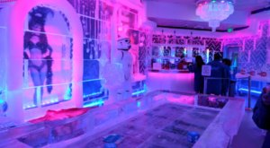 This Beautiful Bar In Nevada Is Made Of Over 180,000 Pounds Of Crystal Clear Ice