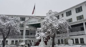 The Pennsylvania Resort That Turns Into A Magical Wonderland Every Winter