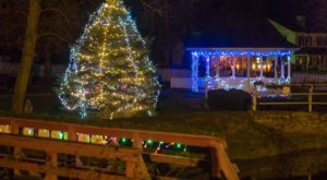 The Beautiful Christmas Walk In Indiana You'll Want To Experience Again And Again
