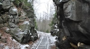 Watch The Kentucky Mountainside Whirl By On This Unforgettable Christmas Train