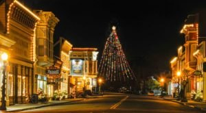 At Christmastime, This Northern California Town Has The Most Enchanting Main Street In The Country