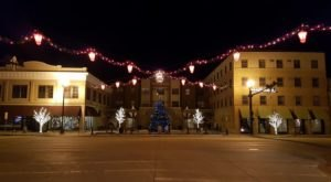 Christmas In These 6 North Dakota Towns Looks Like Something From A Hallmark Movie