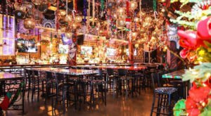 The One Delicious Florida Restaurant That's All Decked Out For Christmas
