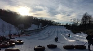 The Country's Best Snow Tubing Park In Pennsylvania Is Roundtop Mountain Resort And It's A Blast To Visit