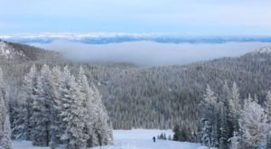 The Under-Appreciated Mountain Resort In Oregon That's The Perfect Winter Getaway