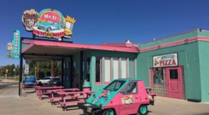 These 5 Arizona Drive-In Restaurants Are Fun For An Old Fashioned Night Out