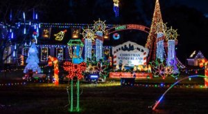 The Arkansas Home That's Been Getting People Into The Christmas Spirit For Over Three Decades