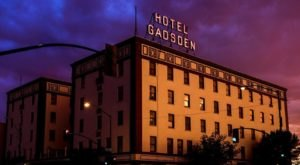The Story Behind This Haunted Hotel In Arizona Is Truly Creepy