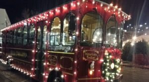 Take This Christmas Trolley Ride In Nashville For An Unforgettable Holiday Outing