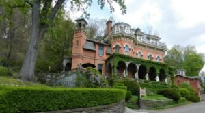 This Grand 1874 Mansion Inn In Pennsylvania Will Make You Feel Like Royalty