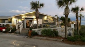 The Unassuming Restaurant In North Carolina Where Every Table Has A Breathtaking View Of The Ocean
