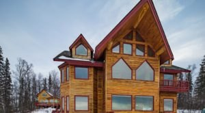We Can't Stay Away From These 6 Cozy Retreats In Alaska Perfect For A Weekend Getaway