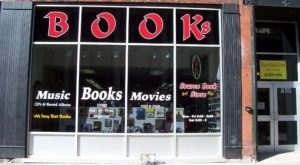 The Largest Used Bookstore In Iowa Has More Than 100,000 Books
