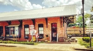 This Historic Mississippi Train Depot Is Now A Beautiful Restaurant Right On The Tracks